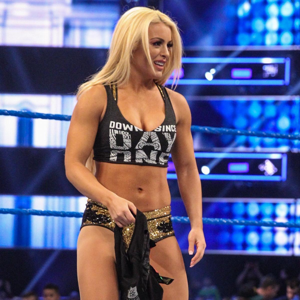 WWE Star Mandy Rose Takes #BussItChallenge; Videos Go Viral 4
