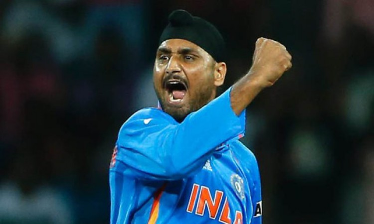 Harbhajan Singh Baffled By Kuldeep Yadav's Omission In 1st Test 4