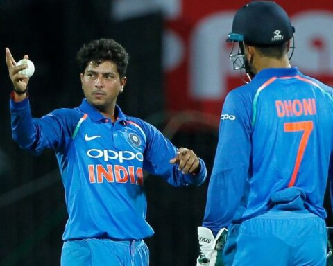 Kuldeep Yadav (left) and MS Dhoni | Deepak Malik/SPORTZPICS