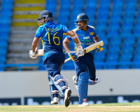 Dhanushka Gunathilaka, Dimuth Karunaratne take a run. (Photo: AFP)