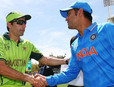 Misbah, Dhoni Photo Credit: (ICC)