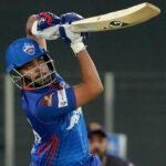 Prithvi Shaw smashed six fours in the first over Delhi Capitals' innings against the Kolkata Knight Riders   Photo: BCCI / IPL