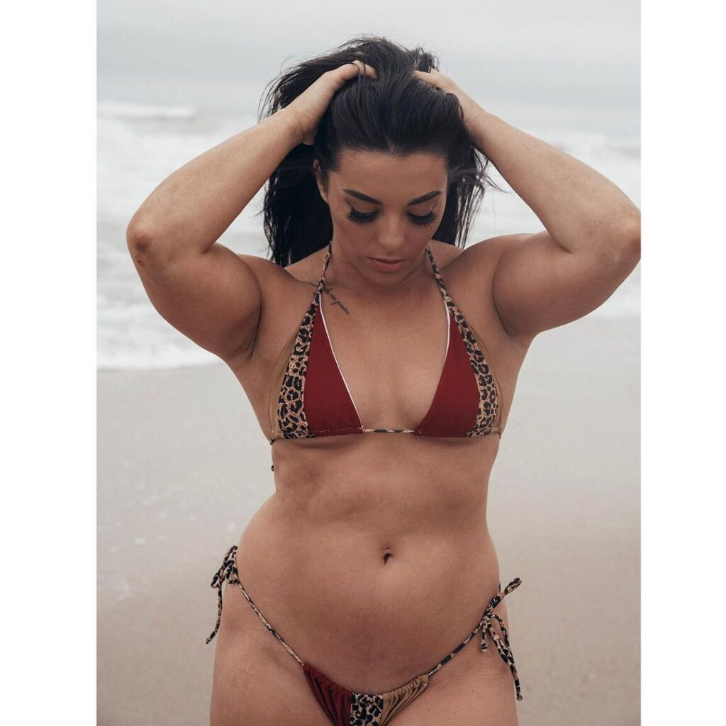 Ex-WWE Star Deonna Purrazzo Is A Beach Beauty In These Recent Photos 4
