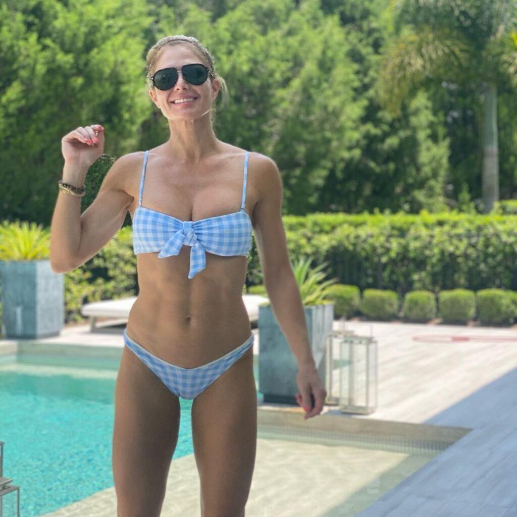 WWE Veteran Torrie Wilson Shines In New Insta Bikini Photos 6