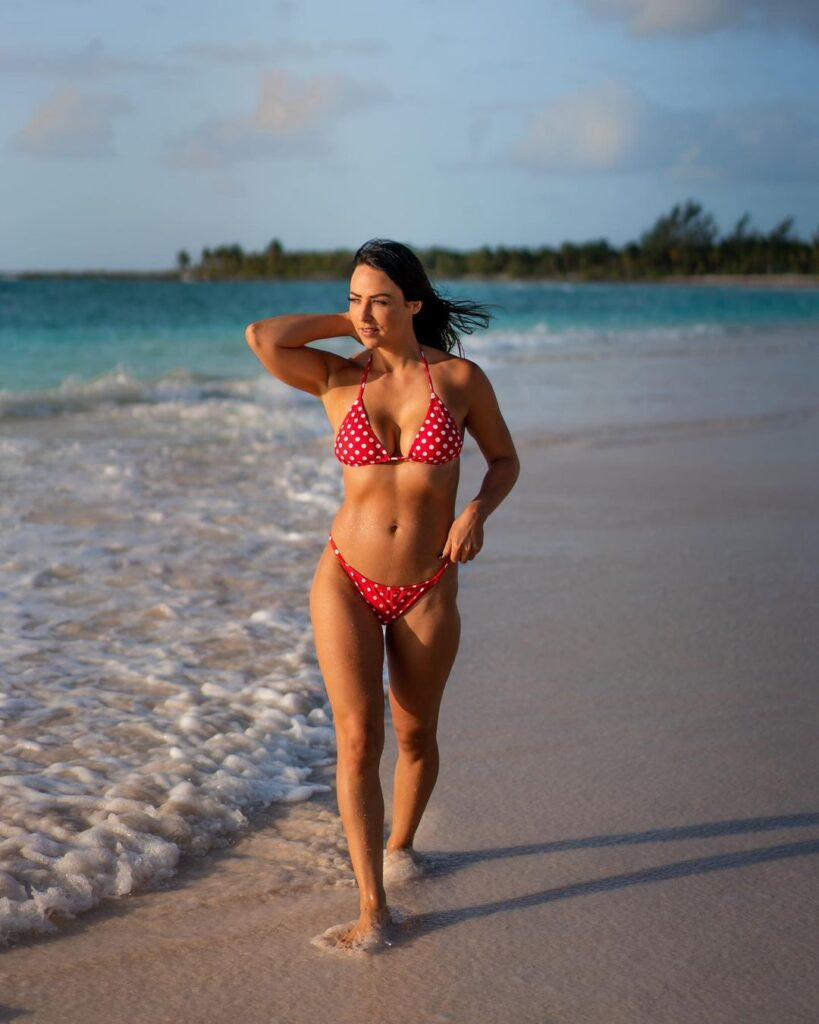 Ex WWE Star Tenille Dashwood's Vacay Pictures Are Unmissable 2