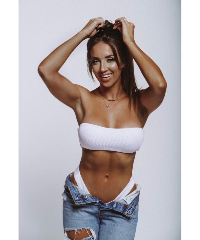 Ex WWE Star Chelsea Green Takes Opinion On Wearing Belt In Hot Photos 2