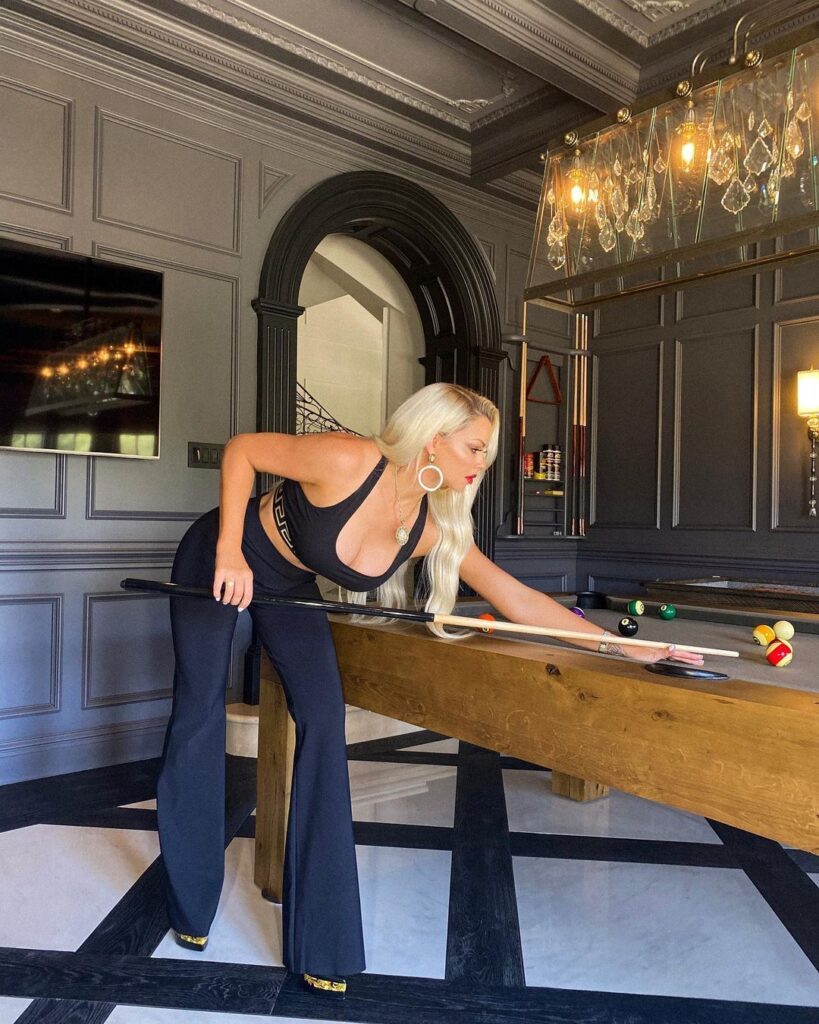 WWE Diva Maryse Ready 'To Play Many Games' In Gorgeous Insta Shots 111