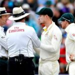 Cameron Bancroft and Steve Smith with the two umpires [Image-Getty]