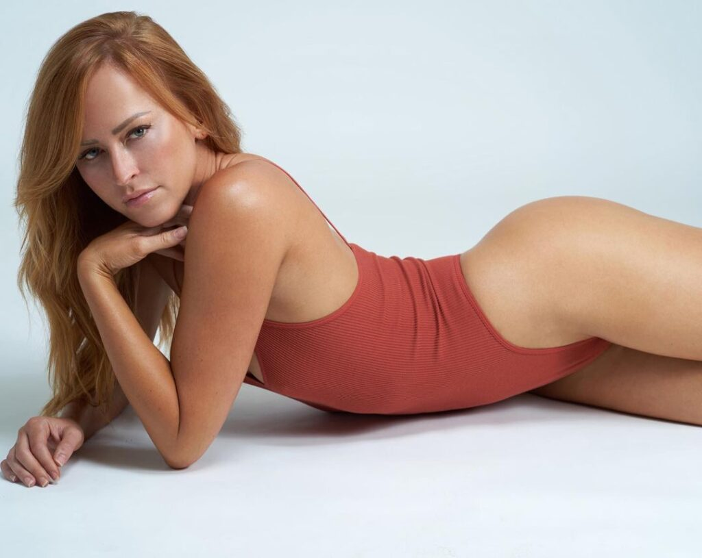 """Ex WWE Diva Summer Rae Asks If """"We Are Still On"""" In Red Lingerie Photo 2"""