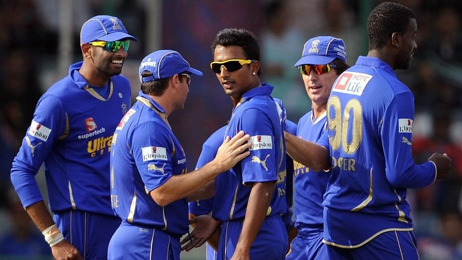 Ankeet Chavan celebrates a wicket with his team-mates AFP/Getty Images