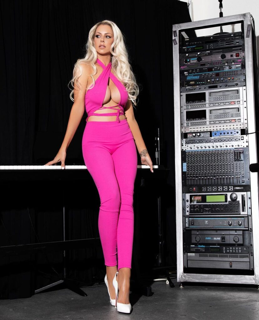 WWE Diva Maryse Posts Hot Photos In Revealing Pink Outfit 63