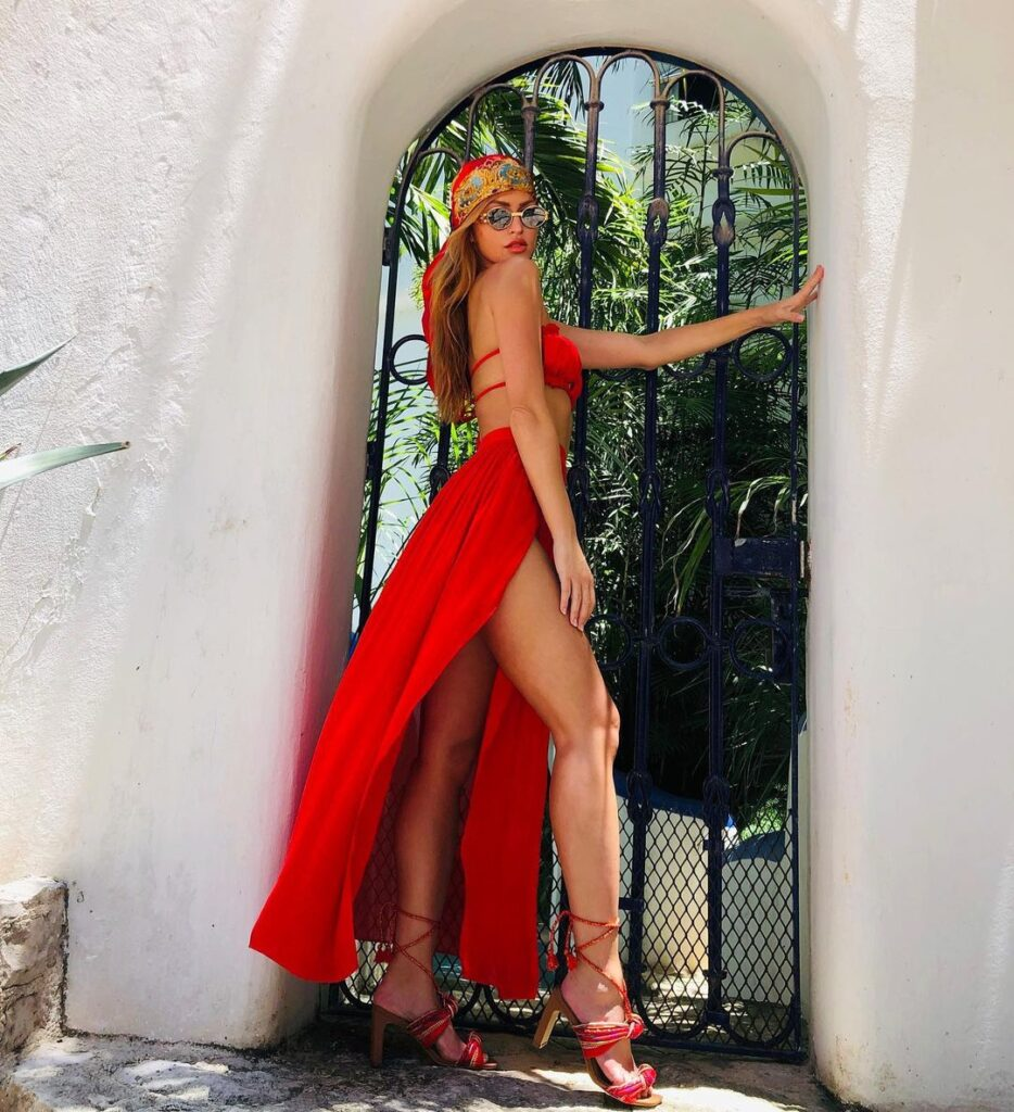 Ex WWE Star Summer Rae Heats Up Instagram With Hot Photoshoot Snaps 77