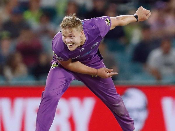 Aussie pacer Nathan Ellis has signed for an IPL franchise for the 2021 season | Courtesy: @HurricanesBBL | Photo Credit: Twitter