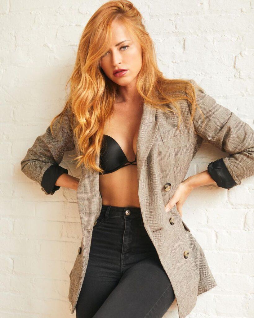 Ex WWE Diva Summer Rae Inspires Fans; Shares Favorite Miami Fashion Week 2021 Looks 4