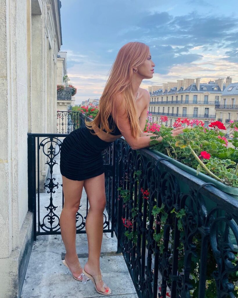 Ex WWE Star Summer Rae Shares Gorgeous Snaps From France Tour 19