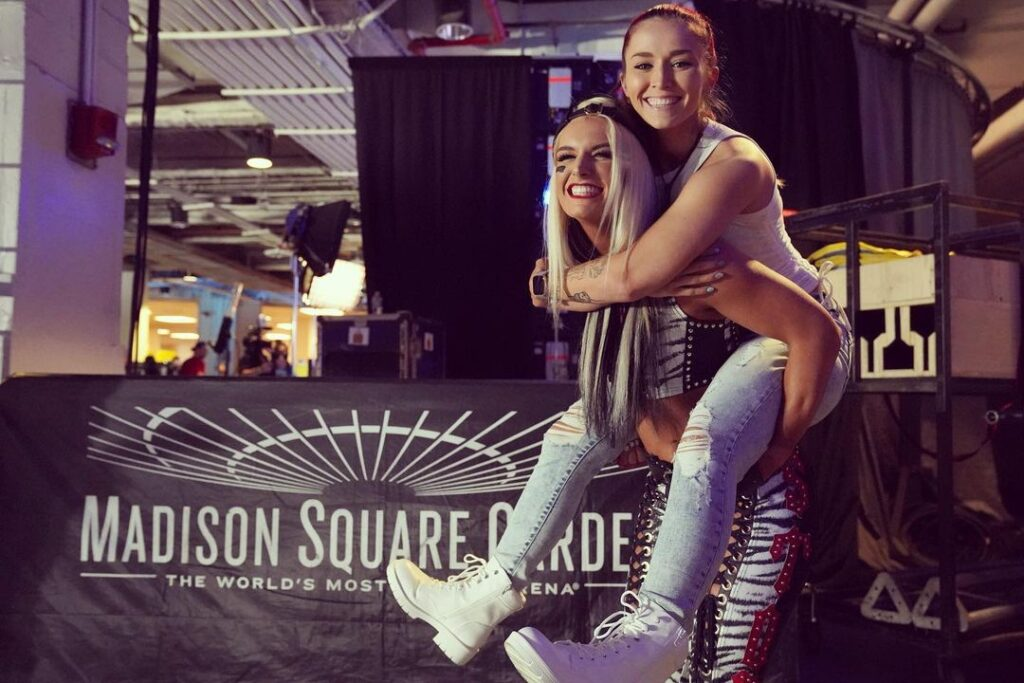 Photos: WWE Smackdown Superstars Show Off Outfits From MSG Appearance 52